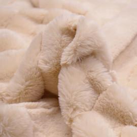 Tissu fausse fourrure beige rosé à rayures verticales - pretty mercerie - mercerie en ligne