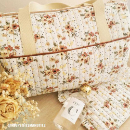 Tissu coton blanc à motif pois et fleurs rose vert et camomille - pretty mercerie - mercerie en ligne