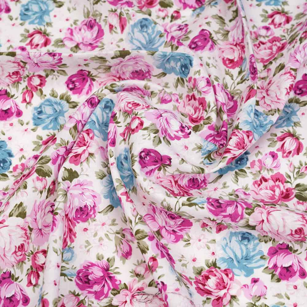 Tissu coton blanc cassé à motif champ de pivoine mauve, bleu et vert   pretty mercerie   mercerie en ligne
