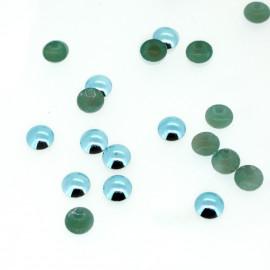Clous bombés turquoise pâle